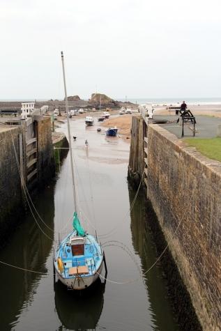 Boat at Bude lock