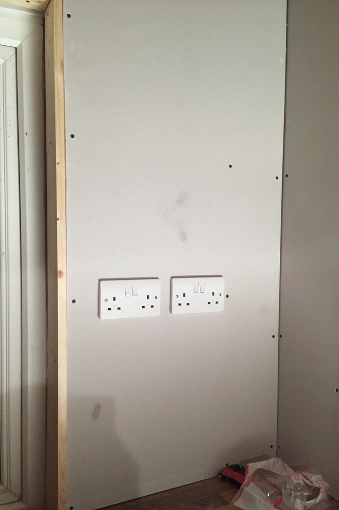 Mains sockets