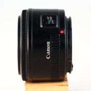 EF 50mm 1:1.8 II left